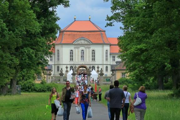 Das_Fürstliche_Gartenfest_Schloss_Fasanerie_001