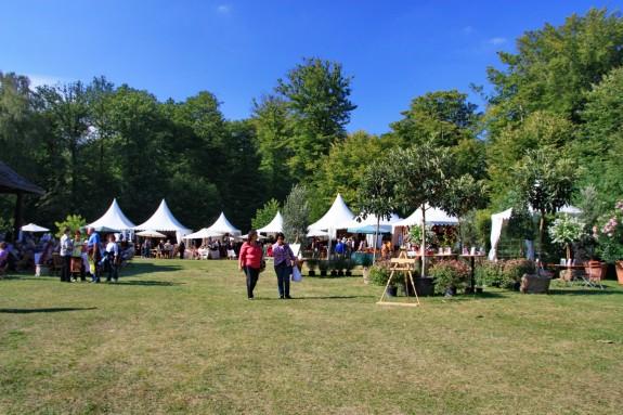 Fuerstliches_Gartenfest_Schloss_Wolfsgarten_008